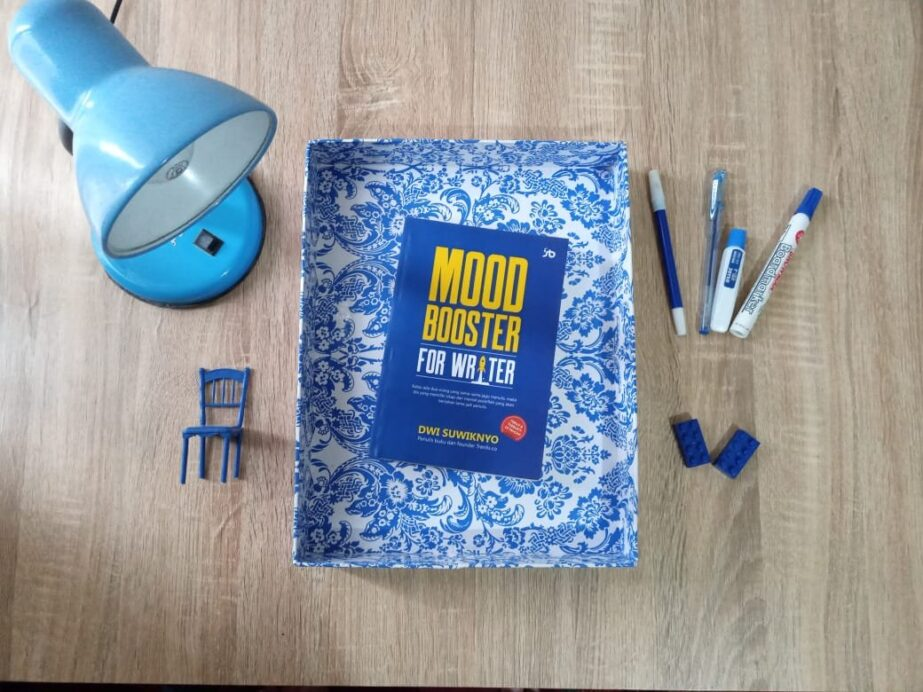 mood booster for writer review buku
